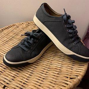 Johnston Murphy sneaker